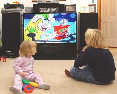 Trẻ nhỏ không nên xem ti vi quá nhiều
