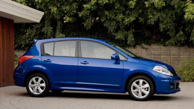 Xe ô tô mới giá rẻ nhất mùa xe 2014 - Nissan Versa