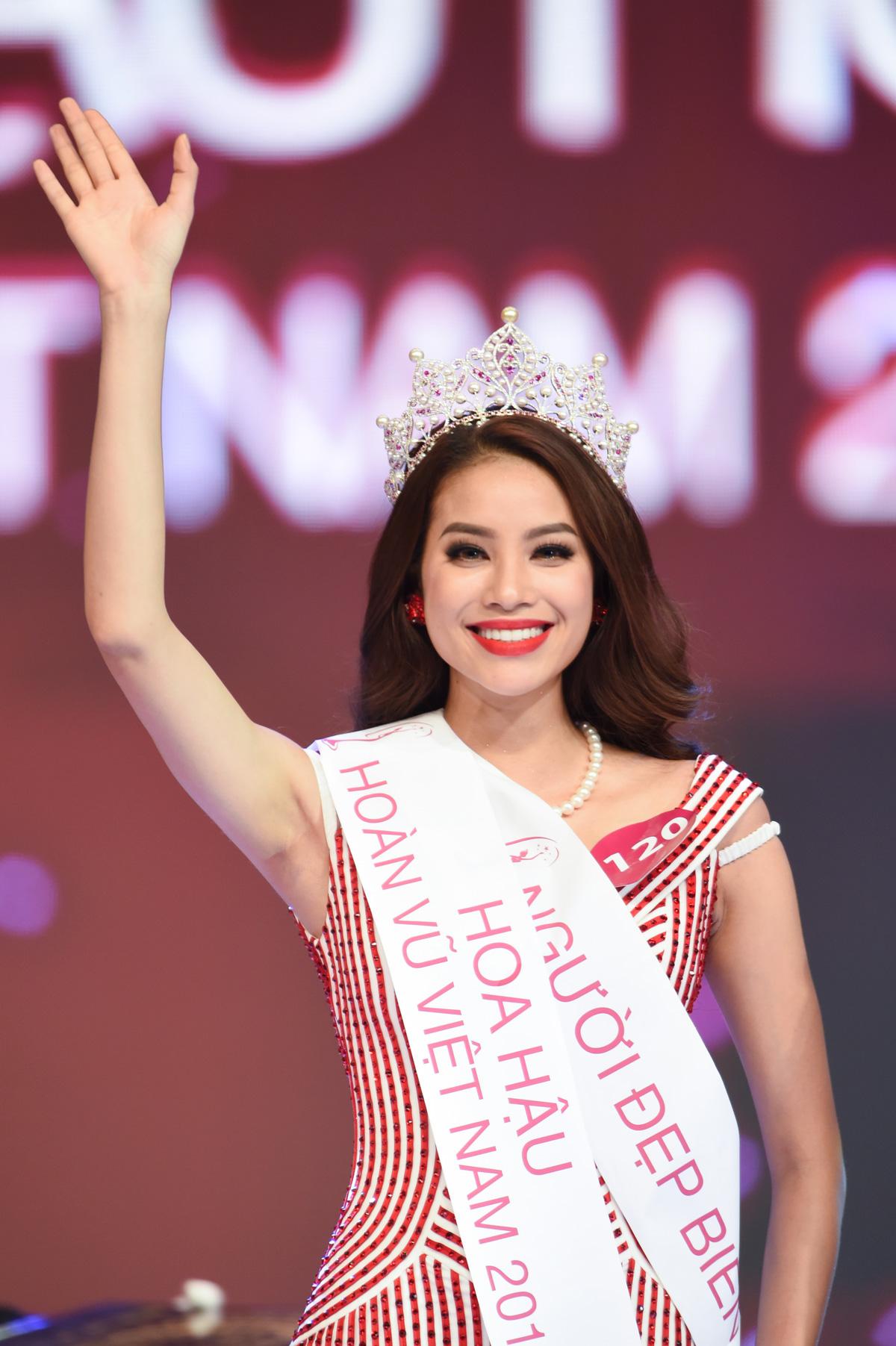 Ngoài  Phạm Hương  xinh đẹp và có gout thời trang đẳng cấp của Việt Nam ra thì  trong danh sách 50 người đẹp nhất còn có rất nhiều cái tên quen thuộc khác