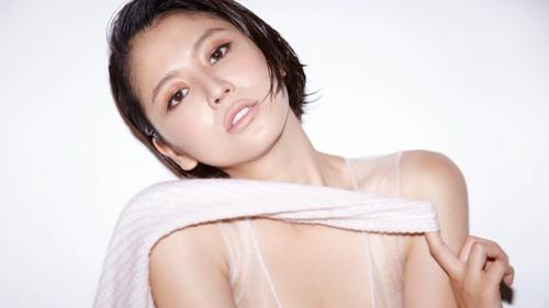 Nữ diễn viên Nhật Bản Nagasawa vẫn giữ được nét trẻ trung, quyến rũ của cô mạc dù cô đã xấp xỉ tuổi 30. Và cô đã trở thành 1 trong 50 người phụ nữ đẹp nhất thế giới.