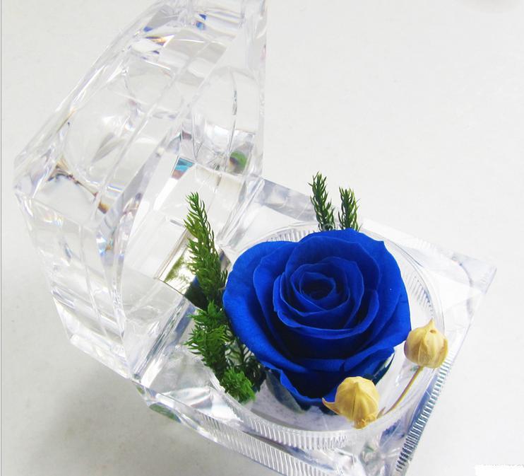 Ngày Valentine, những loại tặng quà độc lạ hút khách