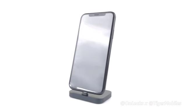 iPhone 8 lộ diện rõ nét đẹp long lanh