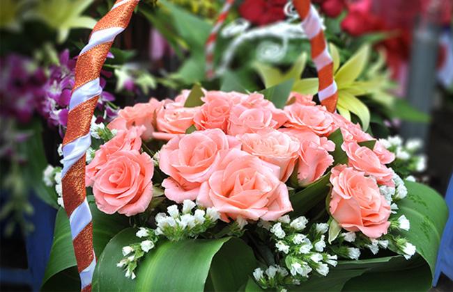 Giá cả thị trường ngày hôm nay (20/10): Giá lợn hơi ổn định ở cả 3 miền, hoa tươi tăng giá mạnh