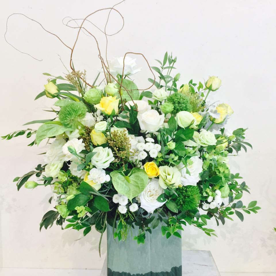 5 triệu đồng một bó hoa nhập khẩu tặng thầy, cô giáo nhân ngày 20/11