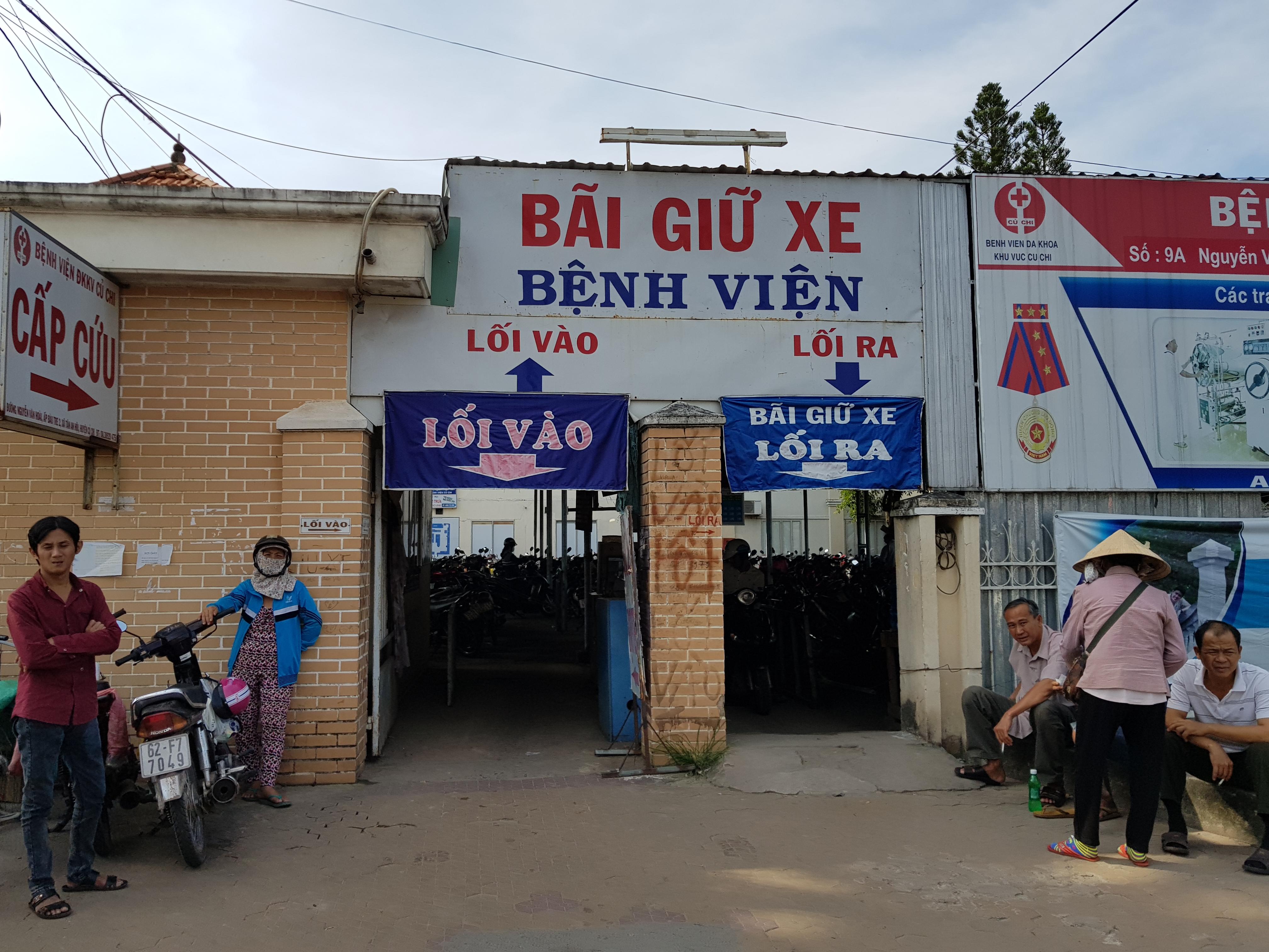 Bãi xe bệnh viện đa khoa huyện Củ Chi giữ xe quá giá quy định