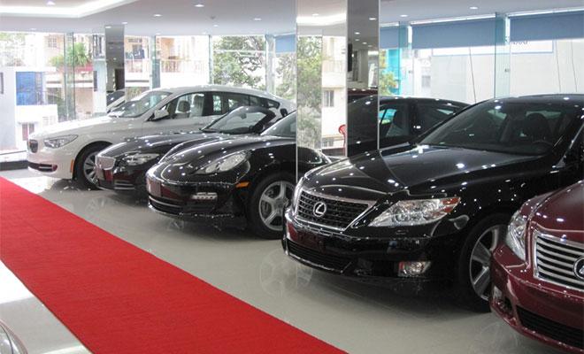 Tuần cận Tết, chỉ có 10 chiếc xe ôtô nguyên chiếc 9 chỗ ngồi được nhập khẩu vào Việt Nam