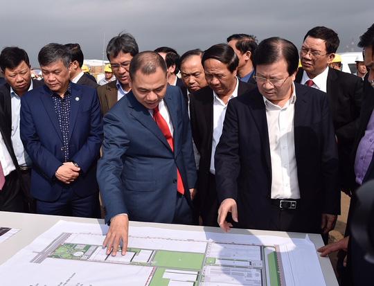 Phó Thủ tướng Trịnh Đình Dũng làm việc tại Hải Phòng