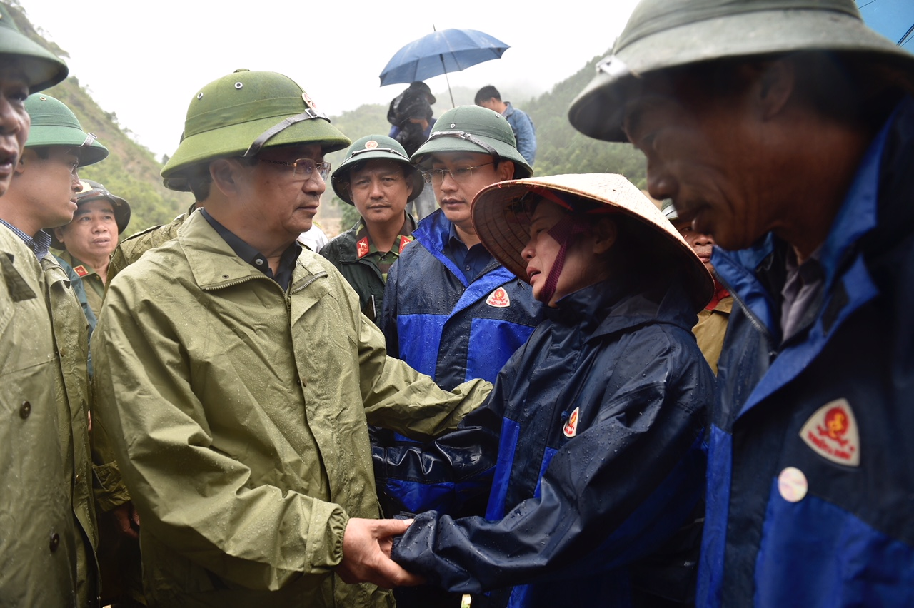 Phó Thủ tướng Trịnh Đình Dũng chỉ đạo khắc phục hậu quả thiên tai tại Lai Châu