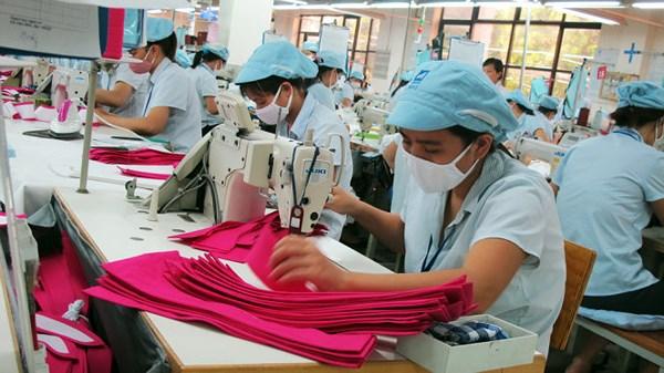 Những tác động của căng thẳng thương mại Mỹ - Trung tới kinh tế Việt Nam