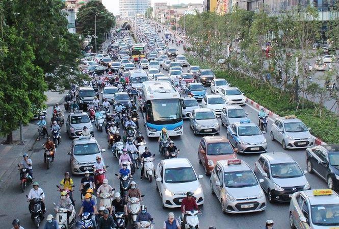 Hà Nội sẽ thu phí xe vào nội đô, phụ thu thêm phí ô nhiễm