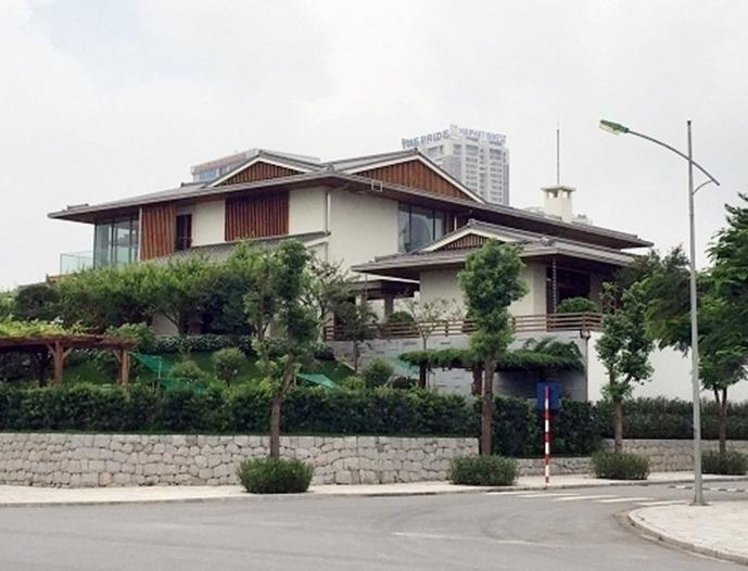 Biệt thự rộng 5.000m2 của nữ Chủ tịch và hơn 500 căn hộ không phép tại KĐT Dương Nội?