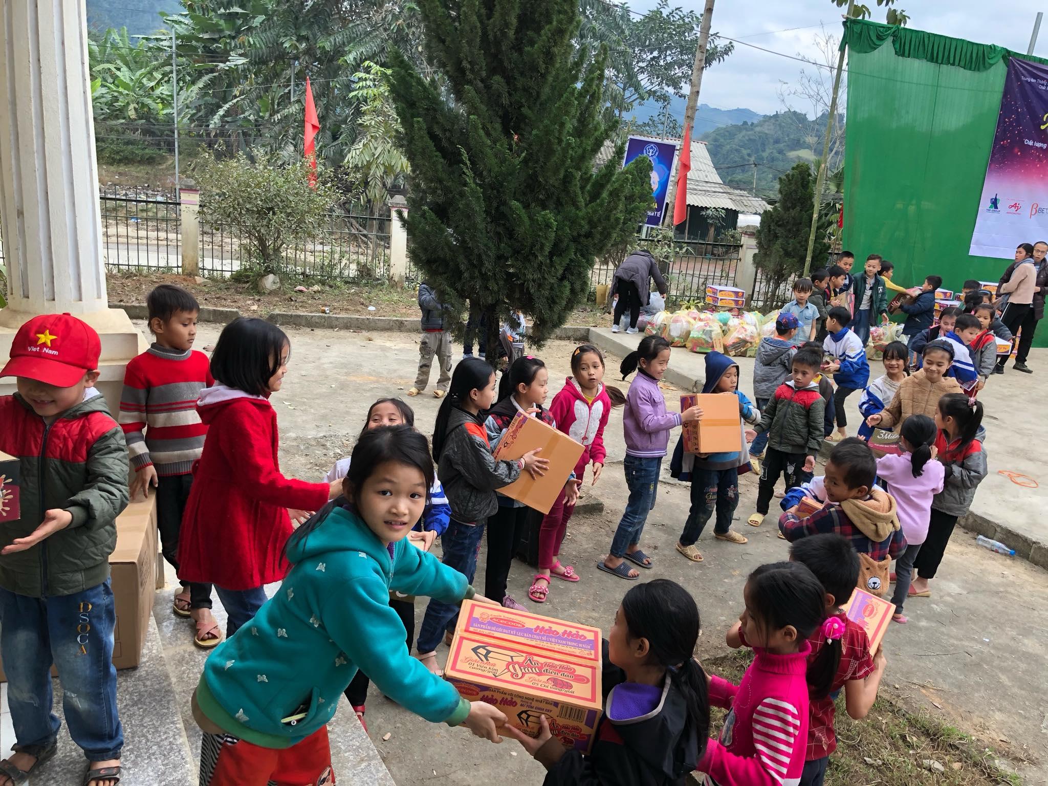 'Xuân yêu thương' mang Tết ấm đến miền quê nghèo nơi địa đầu tổ quốc của Chất lượng Việt Nam online