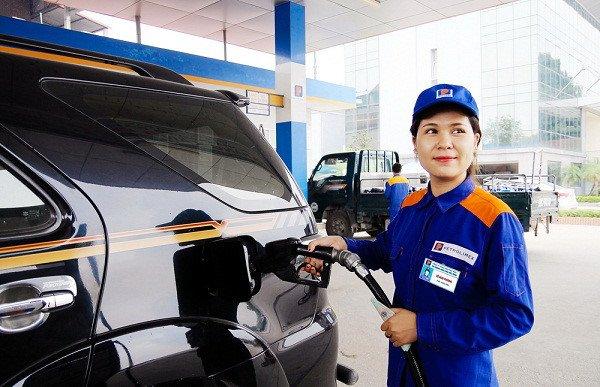 Giá xăng E5RON92 và dầu tăng nhẹ