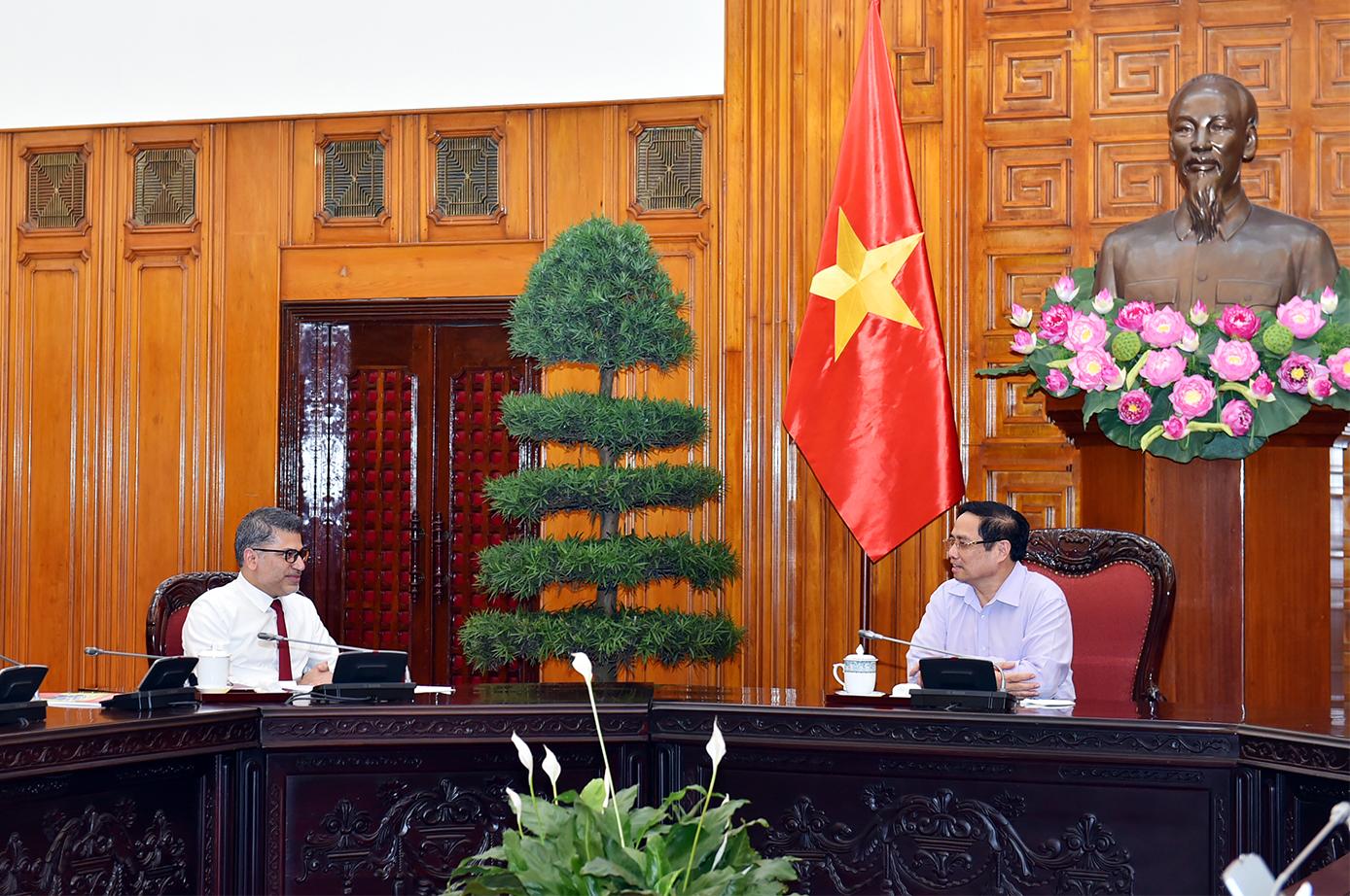 AstraZeneca sẽ giúp đỡ, hỗ trợ Việt Nam sản xuất vaccine