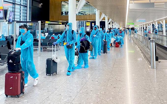 'Gỡ' vướng cho những người bay quốc tế trong thời gian giãn cách