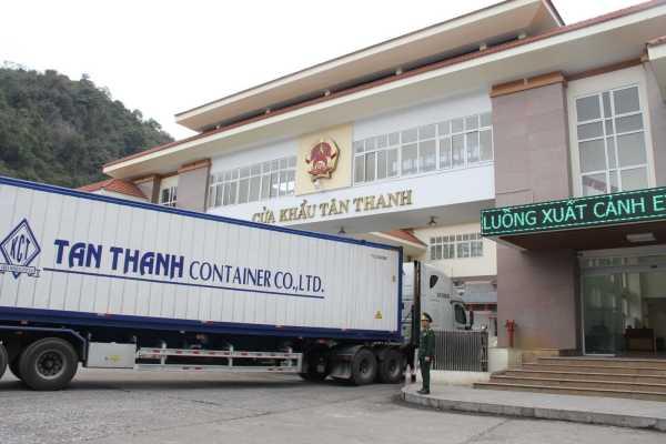 Doanh nghiệp vận chuyển hàng hóa qua cửa khẩu Tân Thanh cần lưu ý gì?