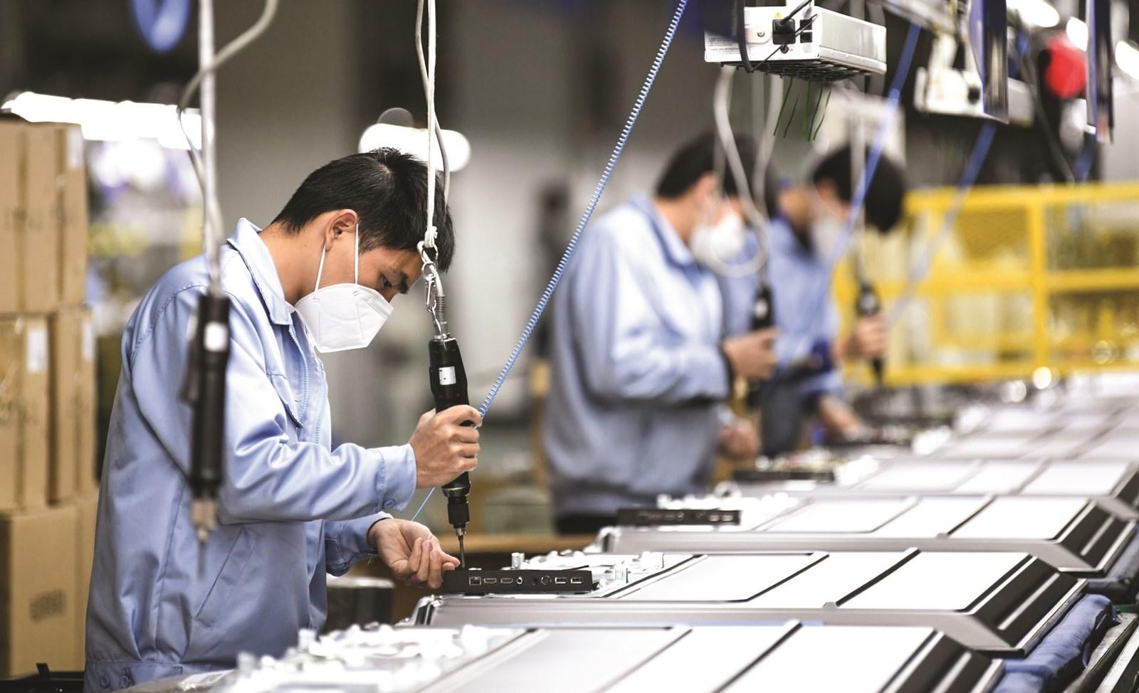 ADB dự báo kinh tế Việt Nam tăng trưởng ở mức 3,8% trong năm nay và 6,5% trong năm 2022