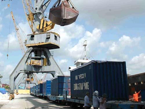 xuất khẩu 2013 vượt mục tiêu