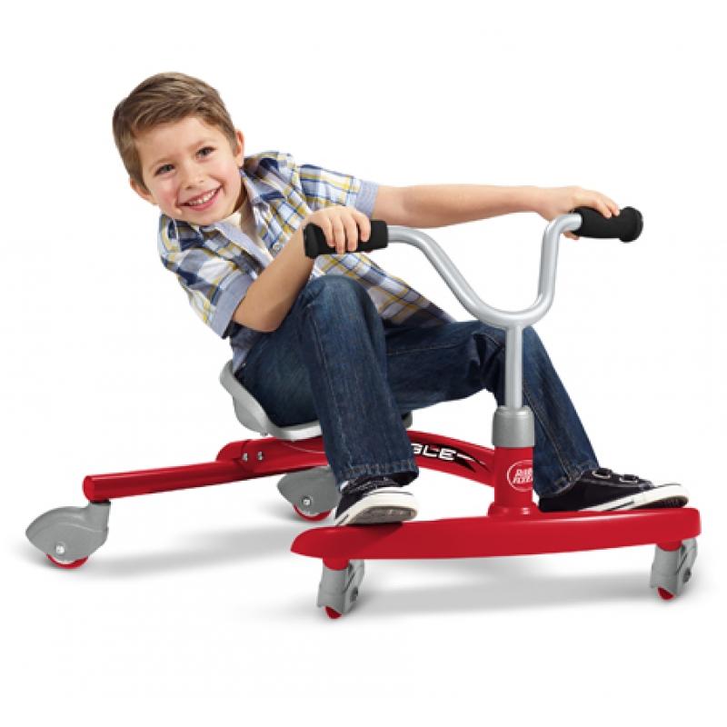 Xe ba bánh tốc độ là đồ chơi trẻ em rất thích thú nhưng cũng nguy hiểm