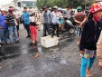 Khánh Hòa: Dân bức xúc đổ tôm cá chết đầy đường, quây kín ủy ban