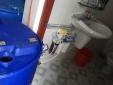 Triệt phá cơ sở sản xuất khăn ướt giả trong nhà vệ sinh