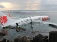 Indonesia: 200 hành khách tán loạn tháo chạy khi máy bay phát nổ