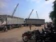 Bình Dương: Xe tải lùi vội cán chết người bán bánh dạo