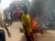 Nigeria: Thiêu sống một bà lão vì nghi là phù thủy