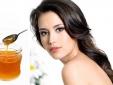 'Cấp cứu' mái tóc cháy nắng cực nhanh với mật ong