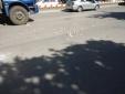 Hà Nội: Nhiều người liều lĩnh lao ra giữa làn đường 'hôi' tiền người chết