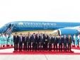 Hãng hàng không Việt Nam thực hiện nghi lễ 'cất cánh' và ra mắt máy bay mới