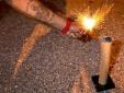 Tai nạn hy hữu: Chết oan vì dùng đầu làm bệ bắn pháo hoa