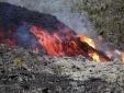 Núi lửa 'giận dữ' phun trào tại nơi tìm thấy mảnh vỡ nghi của MH370