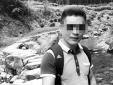 Ngã xuống vách núi chết thảm vì mải chụp ảnh 'tự sướng'