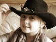 Bé gái 8 tuổi bất ngờ mắc ung thư vú hiếm gặp