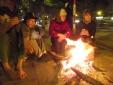 Người Hà Nội 'hân hoan' tận hưởng cái lạnh đầu đông