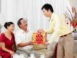 Chọn quà Tết 'ghi điểm' với bố mẹ người yêu ngày ra mắt