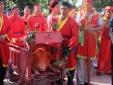 Lễ hội chém lợn ở Bắc Ninh 2016: Ông Ỉn được rước đi 'trảm' kín