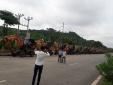 Kinh ngạc nhìn dàn 20 máy xúc đón dâu cực hoành tráng ở Sơn La