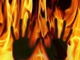Tin pháp luật an ninh 24h qua: Bố đổ xăng ép con 7 tuổi cùng tự thiêu