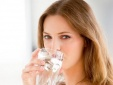 Thói quen uống nước sai cách sẽ hủy hoại sức khỏe bạn như thế nào?