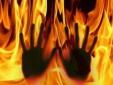 Thiếu phụ bị chồng đổ xăng thiêu sống vì nghi 'léng phéng' với trai