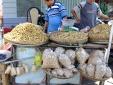 Tin an toàn thực phẩm hot ngày 27/7: Đậu phộng Trung Quốc giá rẻ tràn vào Việt Nam?
