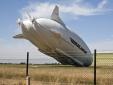 Máy bay lớn nhất thế giới đâm đầu xuống đất khi hạ cánh