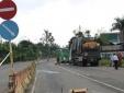 Trèo lên nóc xe tải gỡ dây cáp, phụ xe bị tông tử vong