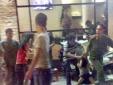 TP.HCM: Tạm đình chỉ công tác thiếu úy cảnh sát nắm tóc người bán hàng rong