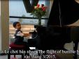 Khoảnh khắc đàn, hát gây sốt của 'thần đồng' gốc Việt Evan Le