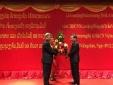 Thứ trưởng Bộ KH&CN nhận Huân chương Độc lập hạng 3 của Lào