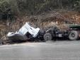 Tai nạn giao thông ngày 17/1: Thi thể phụ xe mắc kẹt sau tai nạn
