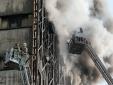 Tòa nhà cao tầng ở Iran đổ sập, hàng chục lính cứu hỏa thương vong